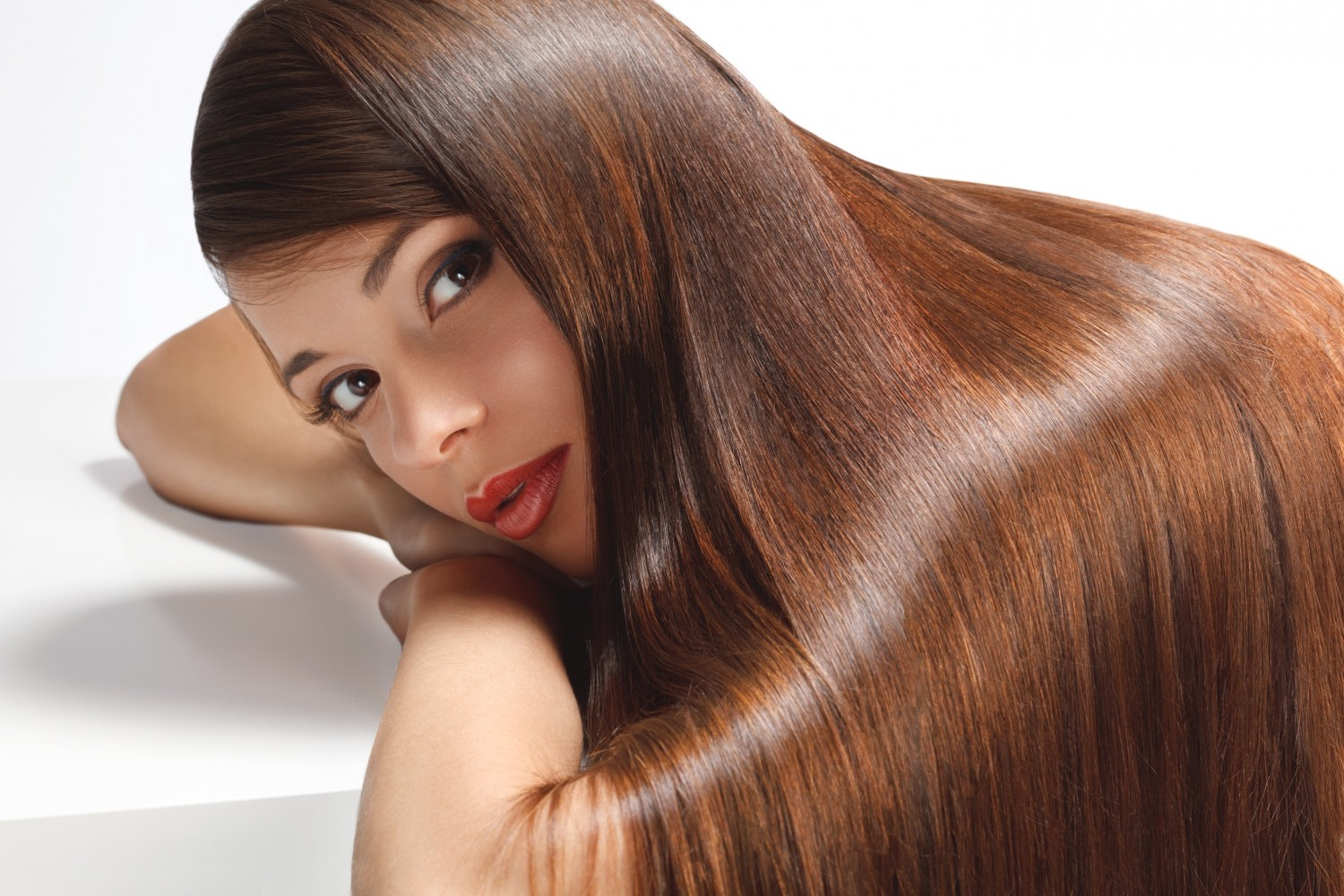 bm_high-quality-image-woman-with-smooth-hair_42600612-1500x1000